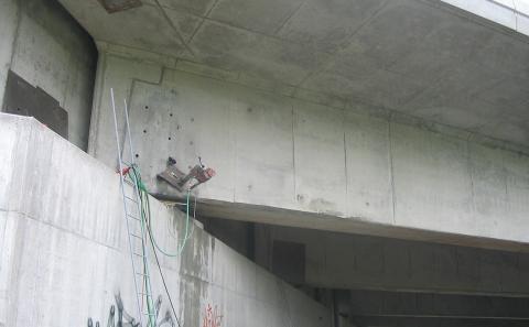 Jádrové vrtání pro ocelové kotvy OMO