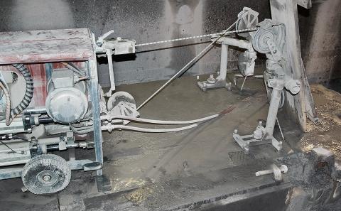 TŽ - řezání lanovou pilou