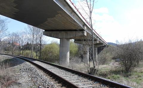 Opravovaný most u obce Žalany